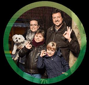 <h3>Familie Weimar mit Liebling Frodo, BürgerGas-Kunde seit 2011</h3>